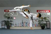 duc-dang-taekwondo-counter-attacking-with-a-side-kick